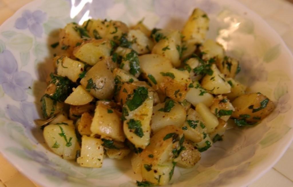 Ziemniaki smażone z pietruszką i miętą