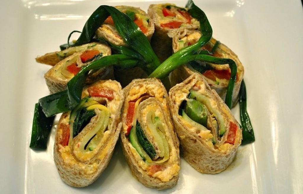 Tortilla z jajkiem i warzywami