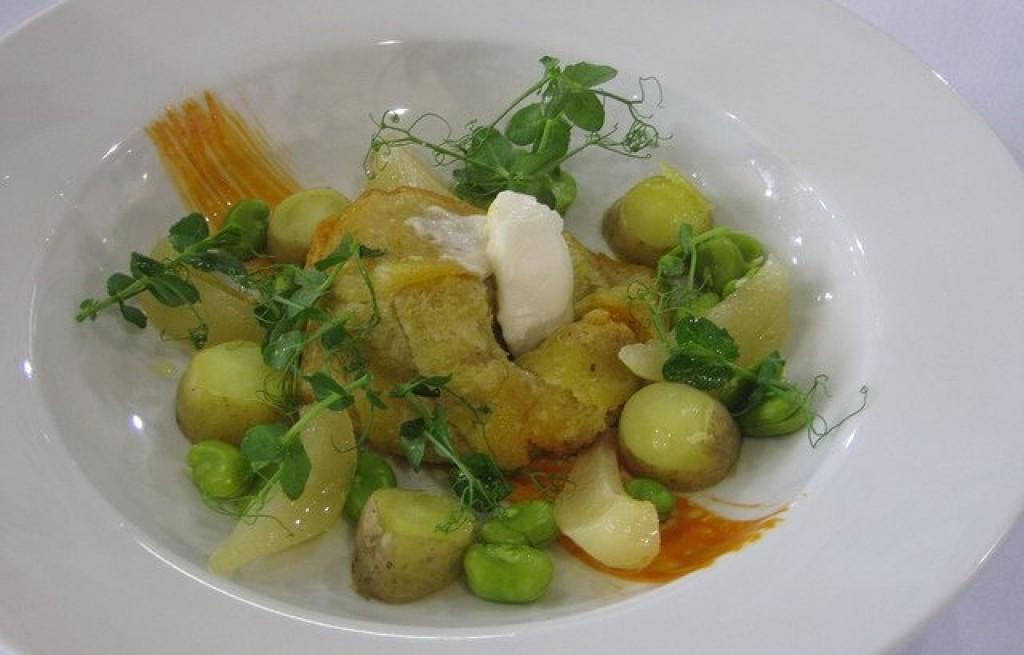 Zapiekanka ziemniaczana z bobem i ogórkiem