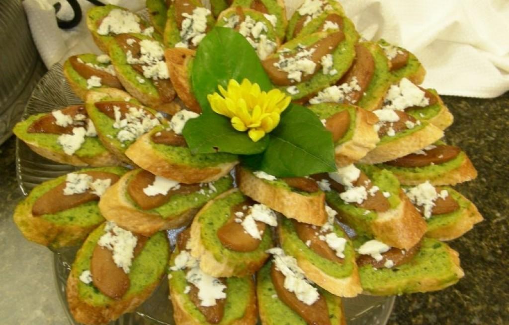 Kanapki z pesto, serem i gruszką