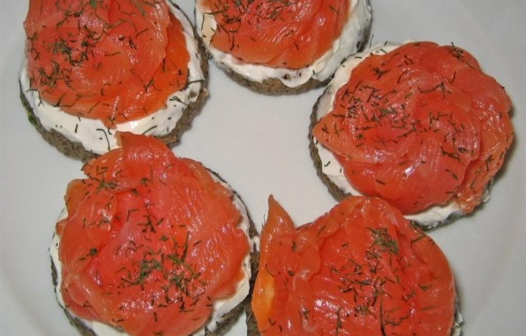 Kotlety gryczane z serem i łososiem