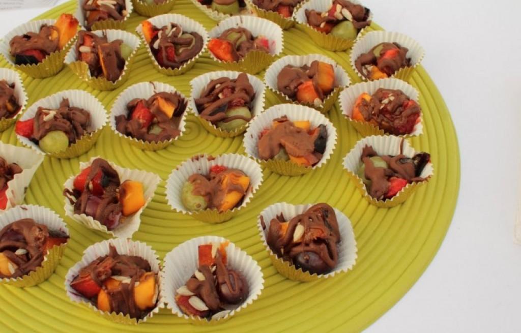 Owoce z czekoladą