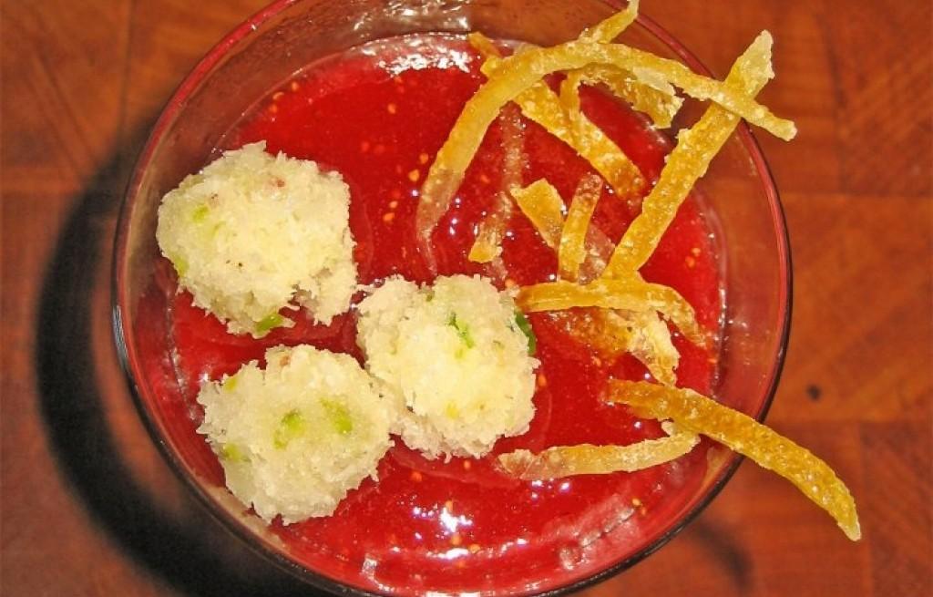 Kulki kokosowo-migdałowe z dżemem i śmietaną