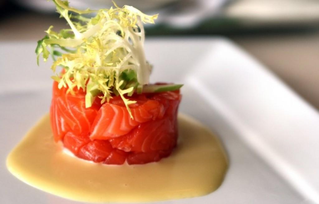 Tuńczyk z ryżem w sosie beszamelowym