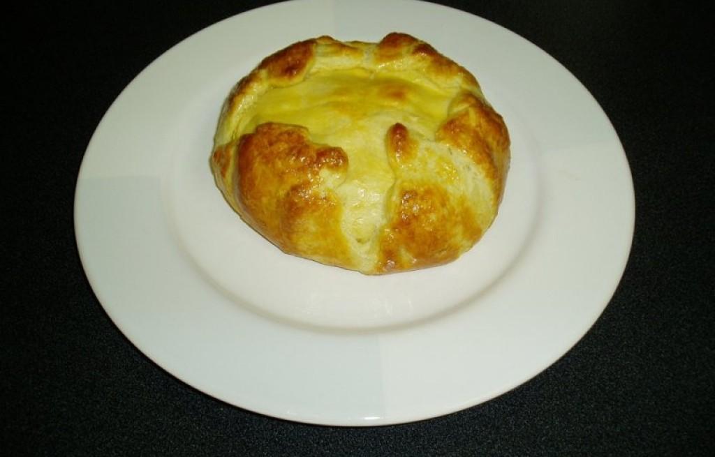 Bułki z serem brie i miodem