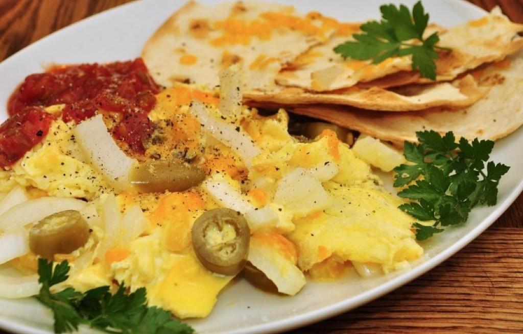 Jajecznica z tortillą