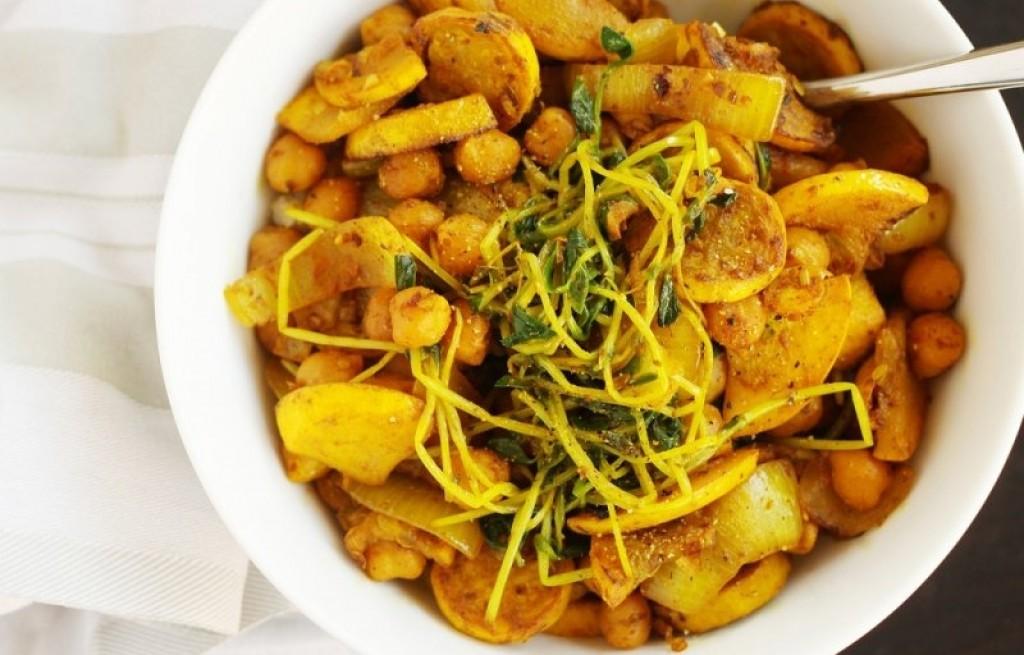 Warzywa z prosem i kurkumą