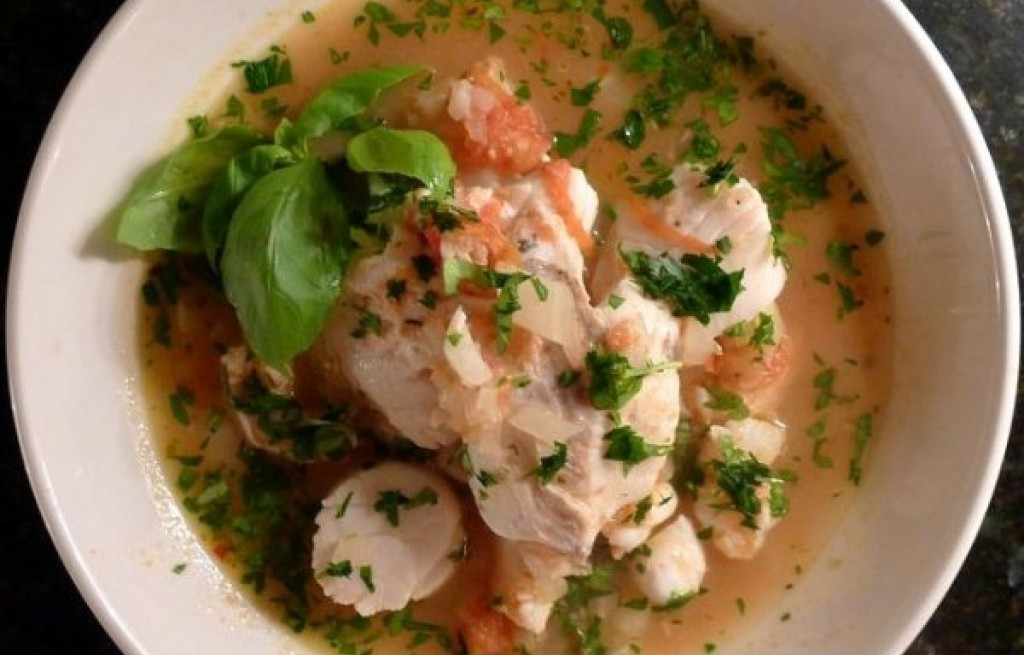Cioppino (gulasz z owocow morza)