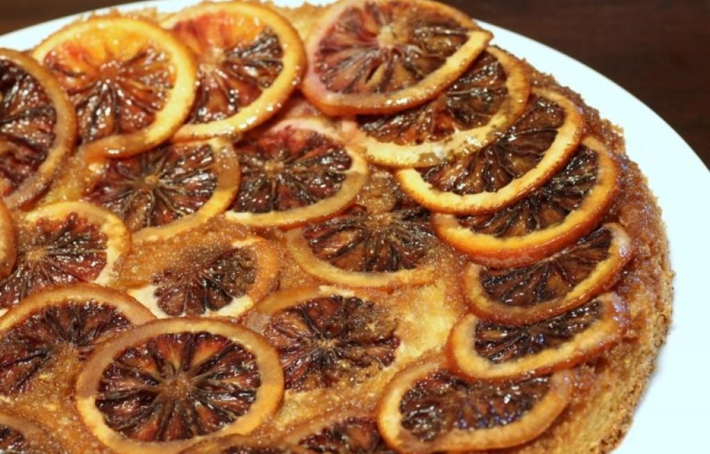 Ciasto z czerwonych pomarańczy