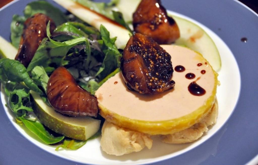 Foie gras z owocami