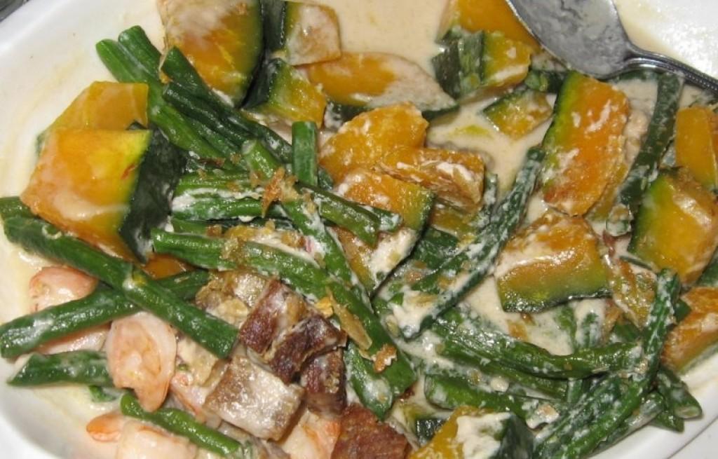 Warzywa z kiełbasą w mleku kokosowym
