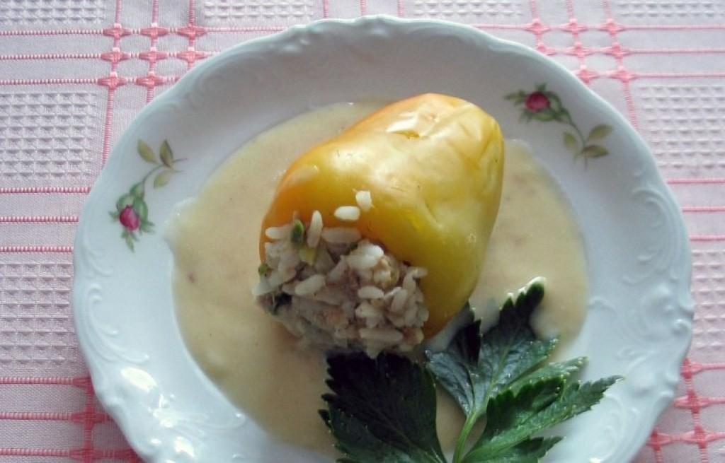 Papryka nadziewana ryżem i tuńczykiem
