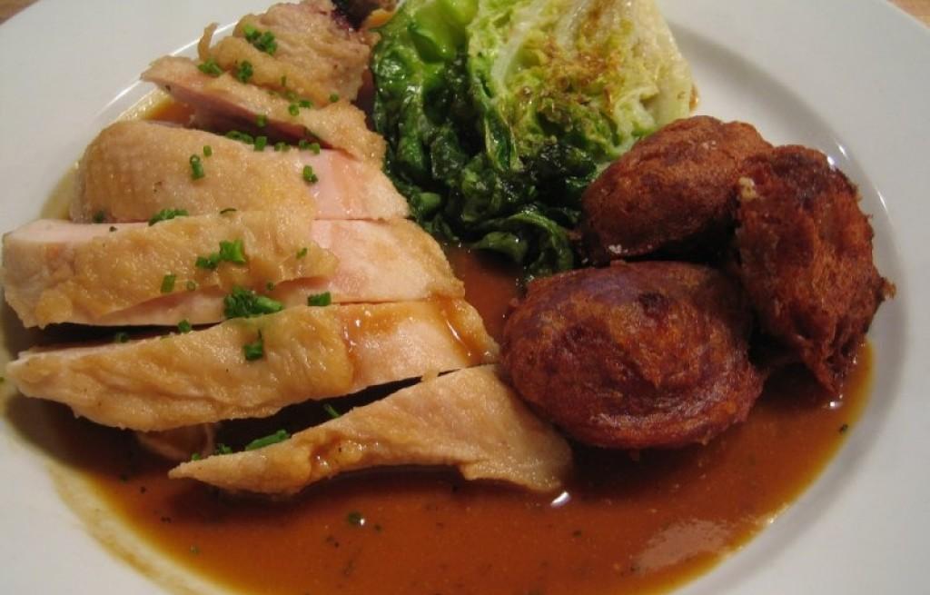 Kurczak w grzybami i sosem śliwkowym