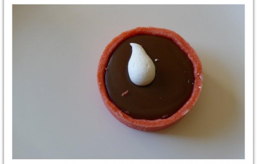 Marcepan wiśniowy z czekoladą