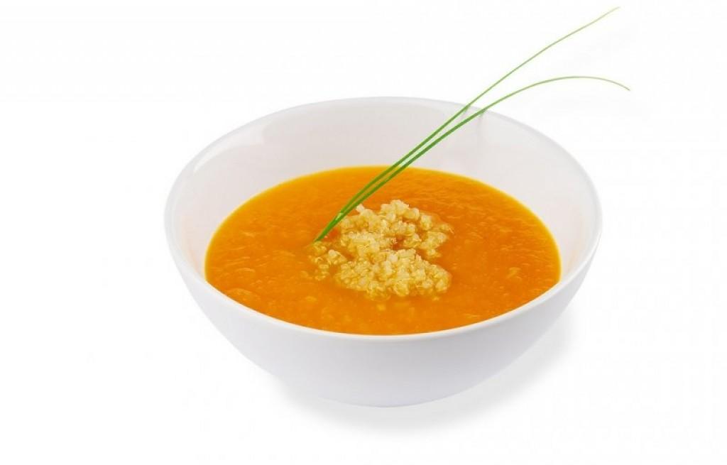 Zupa marchewkowa z komosą ryżową