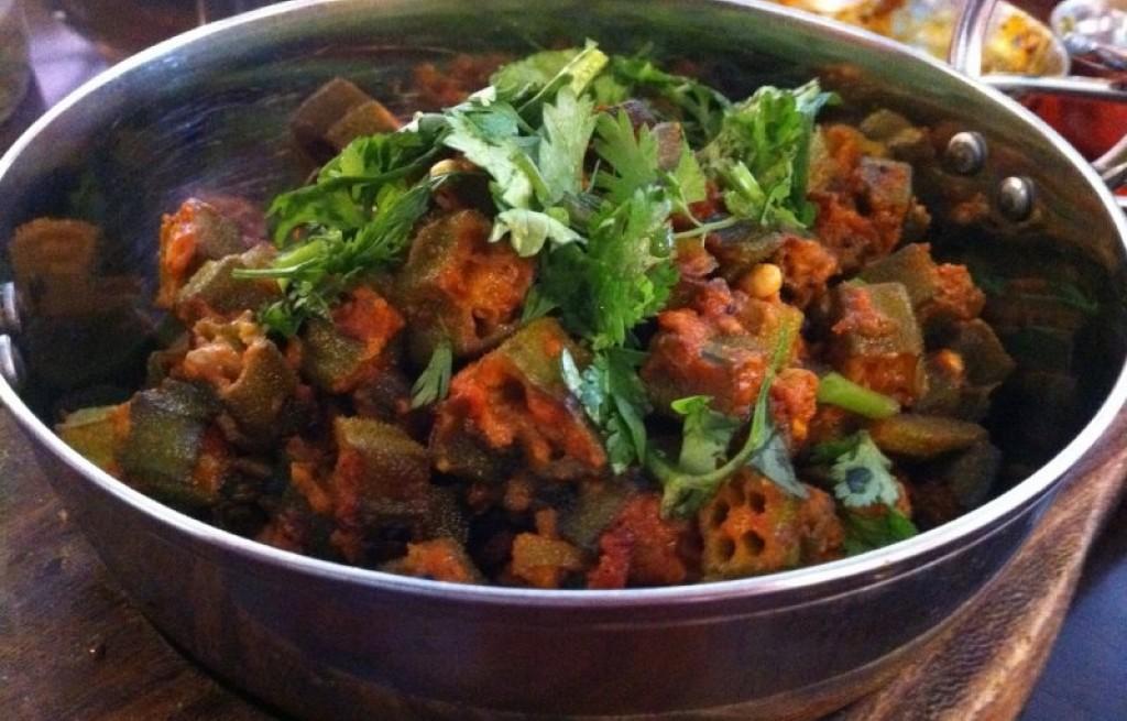 Okra w  pomidorach i curry