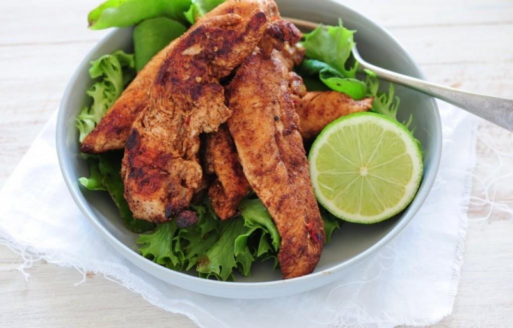 Kurczak w chili z sałatą