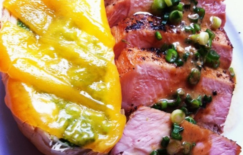Zapiekanka z brokułem i polędwica wołową