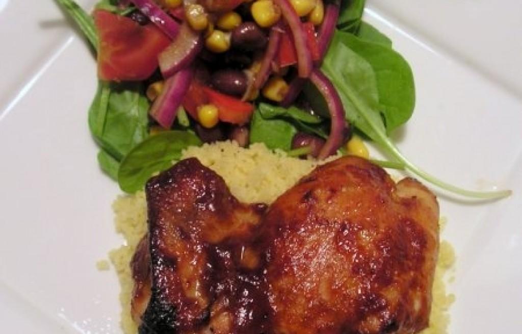 Kurczak z kuskusem i sałatką
