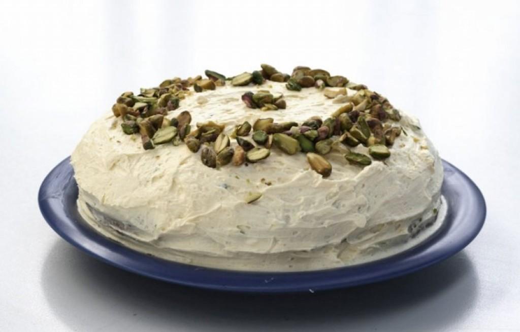 Cukinia smażona z majonezem i pistacjami