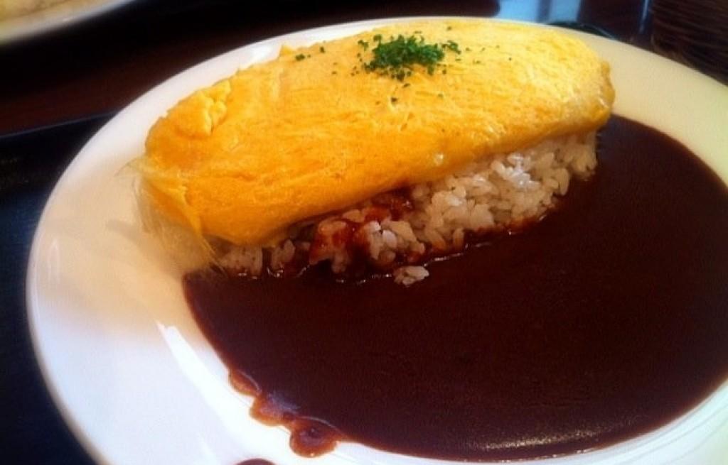 Omlet z ryżem w sosie Demi-glace