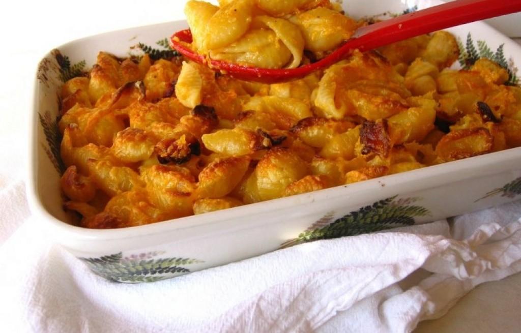 Makaron zapiekany z serem i boczkiem
