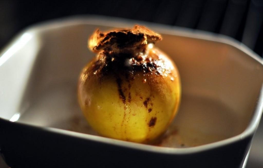 Jabłka pieczone z marcepanem