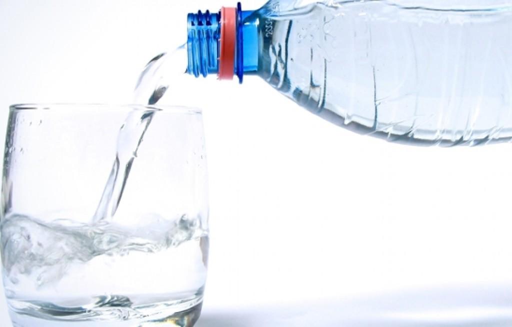 Jak dobrze wybrać wodę mineralną?