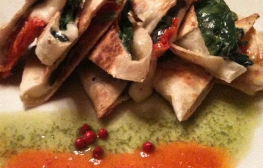 Quesadilla z serem i szpinakiem