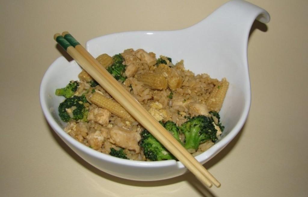 Kurczak grillowany z ryżem i warzywami