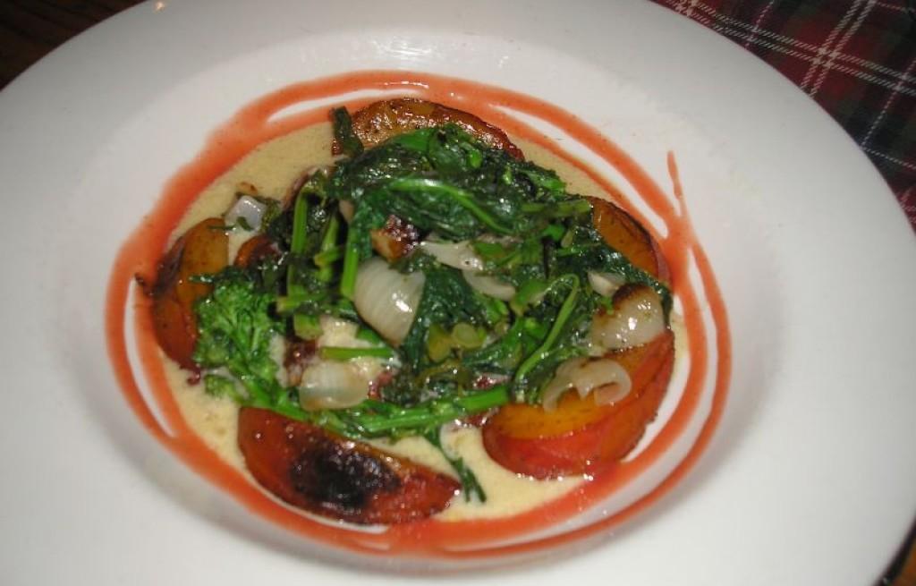 Kasza manna z warzywami i nektarynami