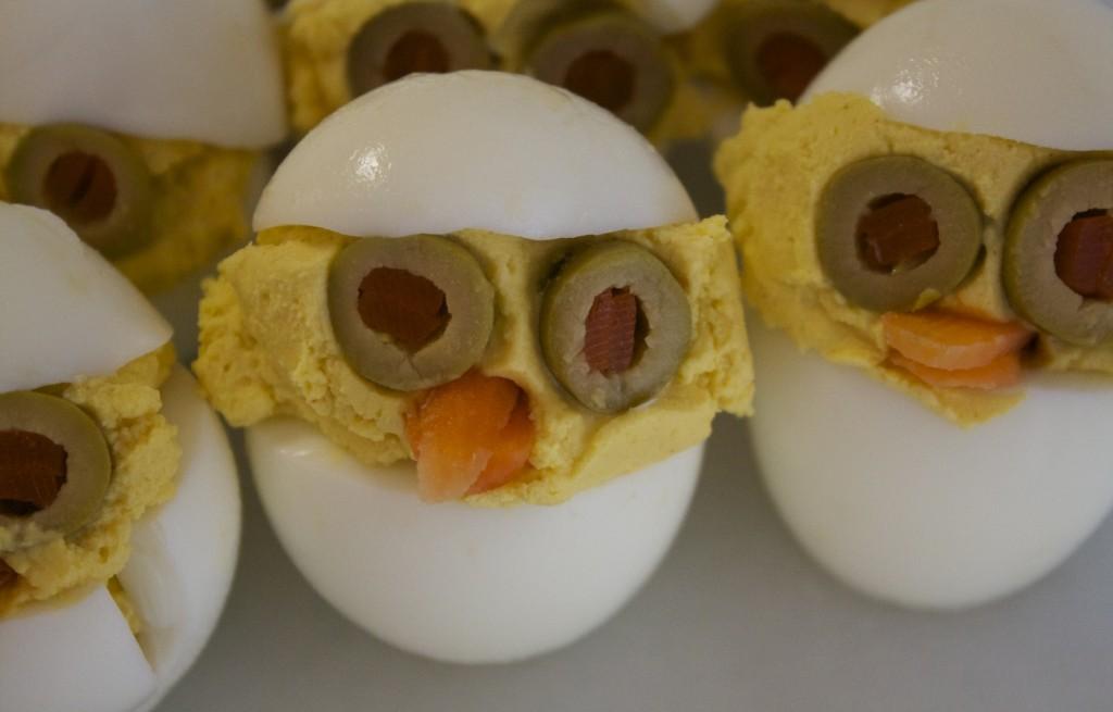 Jajka z polentą i oliwkami