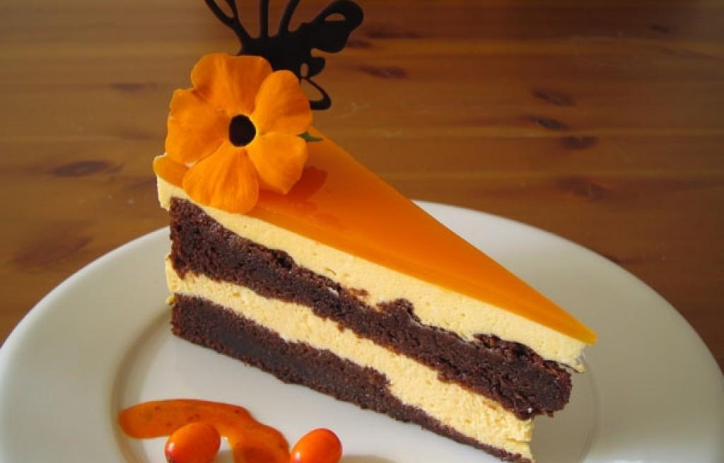 Sernik czekoladowy z galaretką pomarańczową