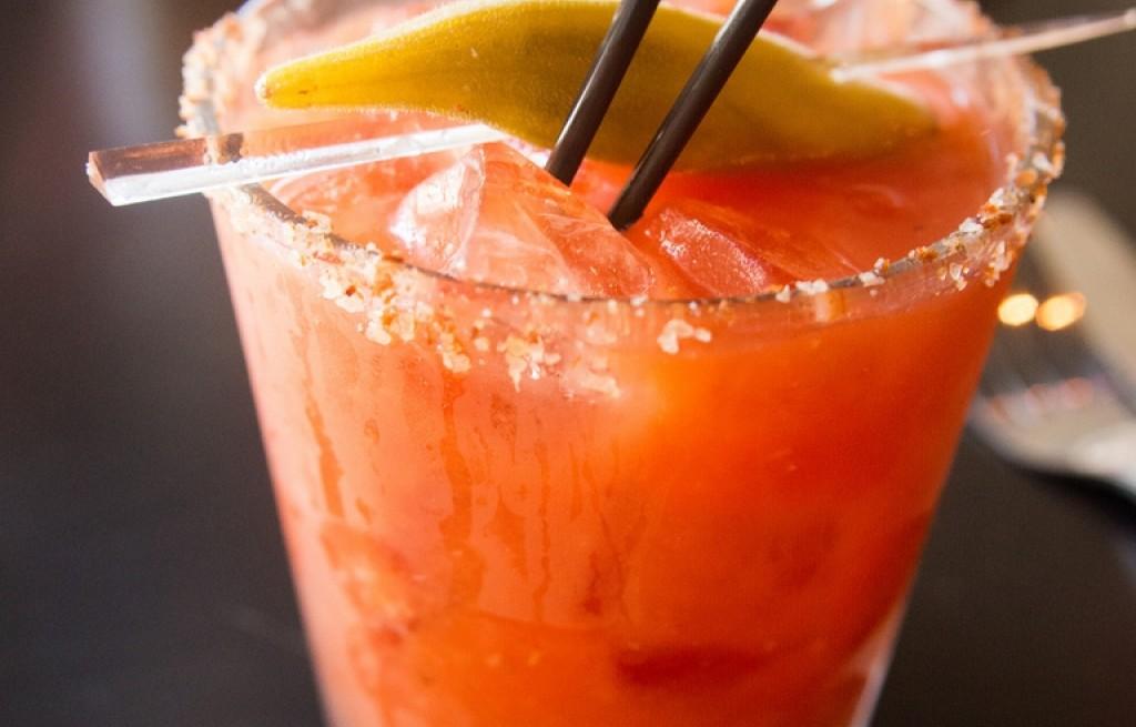 Bloody Mary z okrą i boczkiem