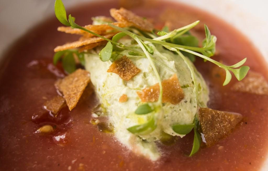 Zupa pomidorowa z lodami i tacos