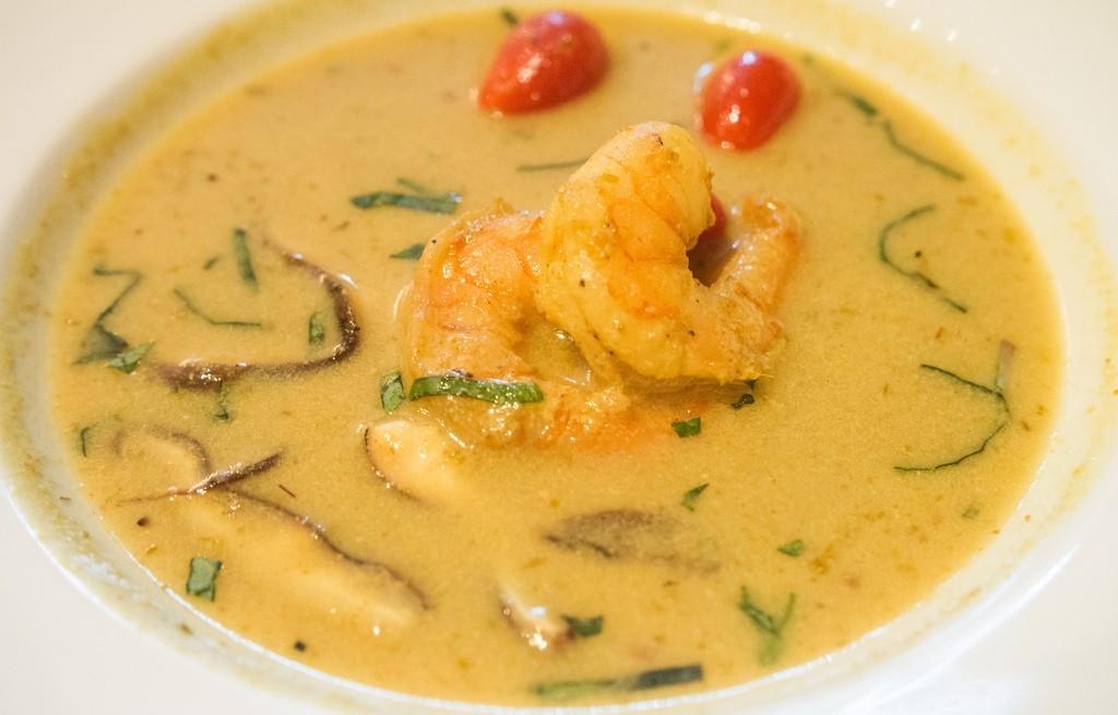 Zupa grzybowo-krewetkowa curry
