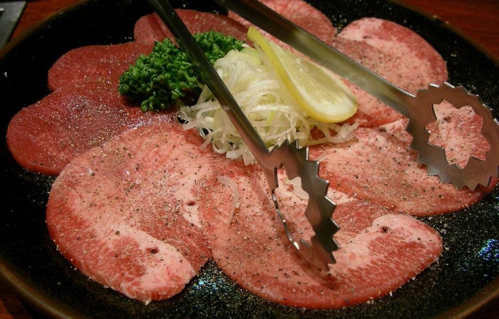 Steki z tuńczyka z kapustą