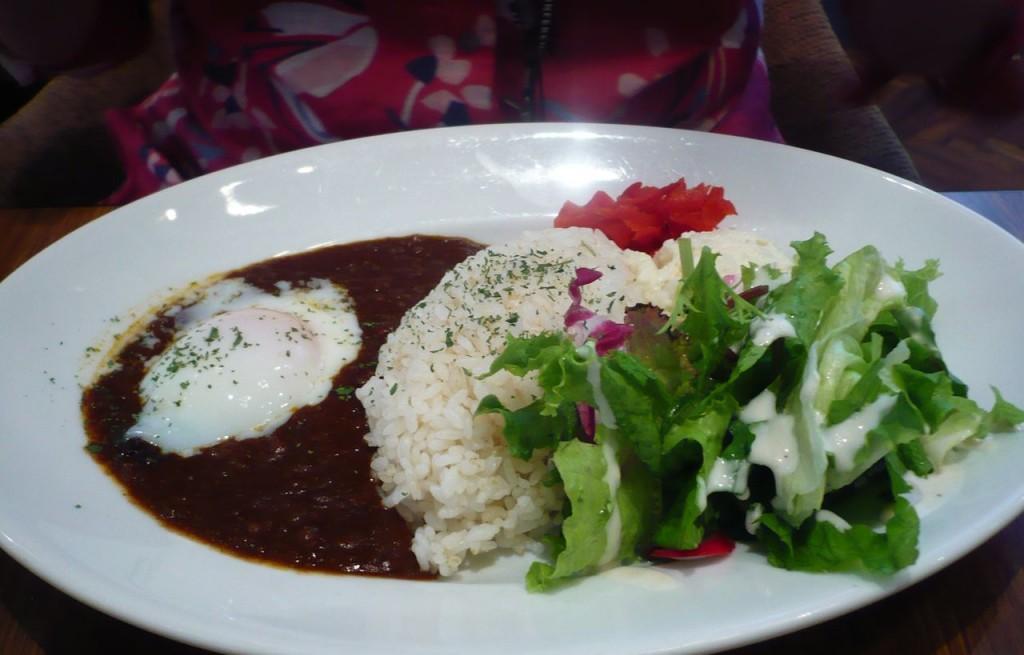 Ryż z fasolą, jajkiem i warzywami