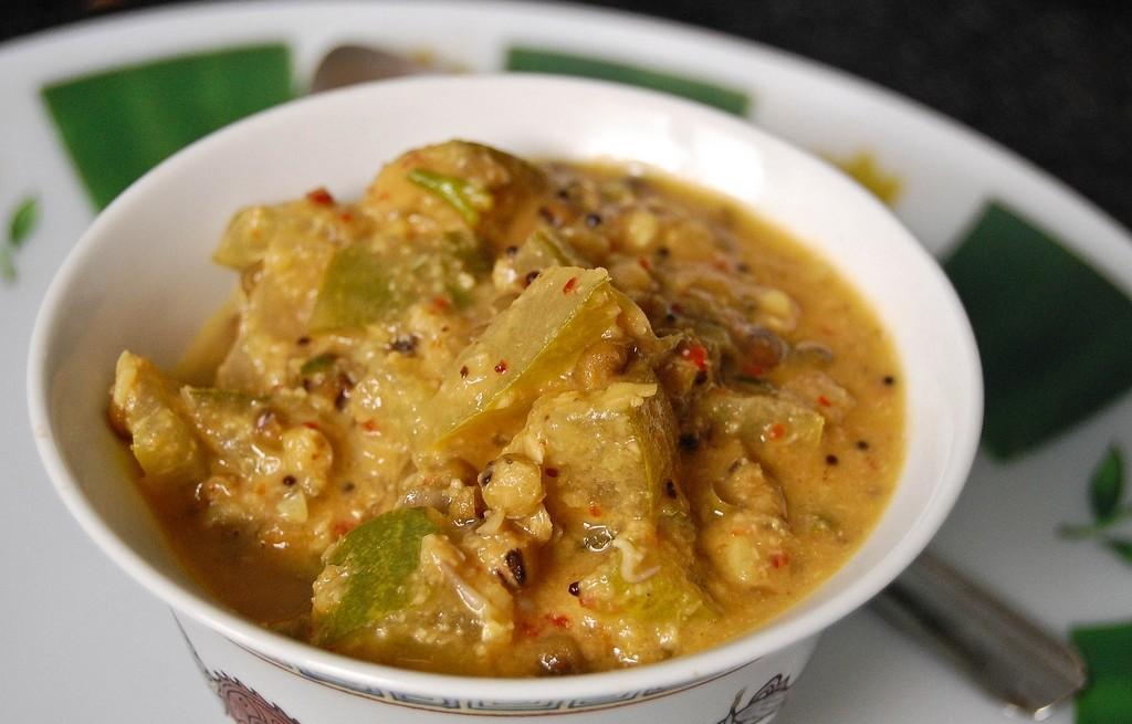 Cukinia z ciecierzycą w curry