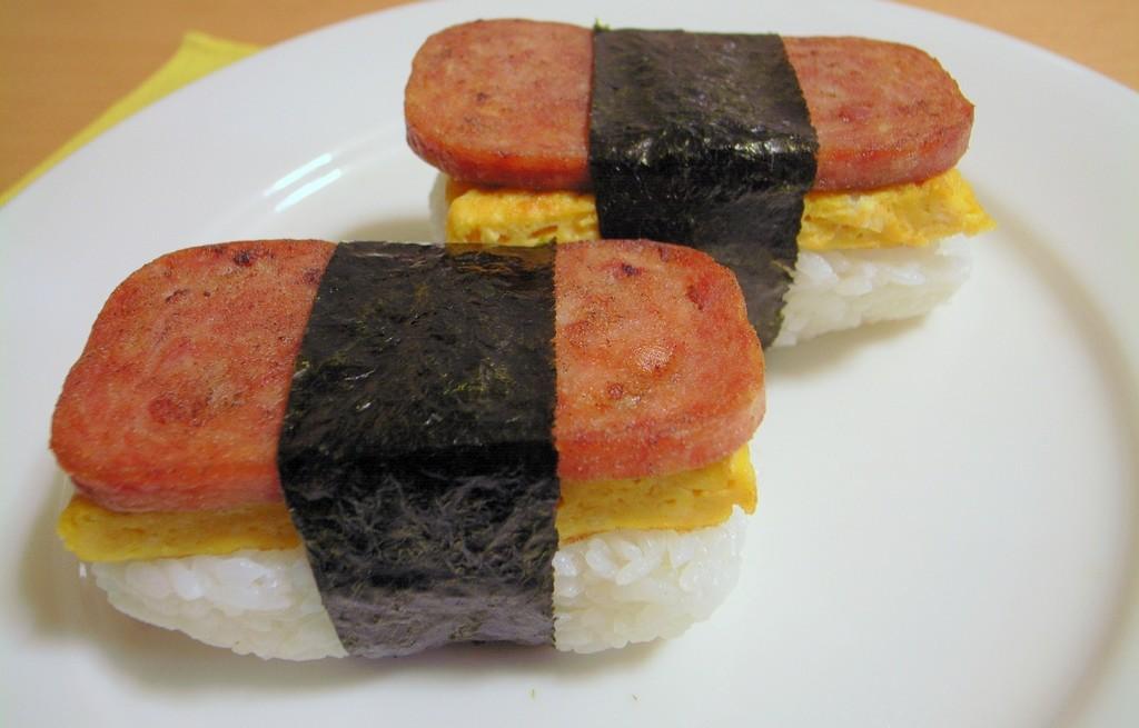 Omlet z ryżem i mielonką