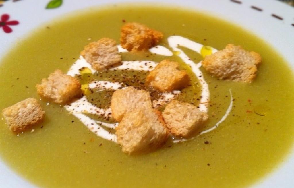 Zupa warzywna miks z grzankami