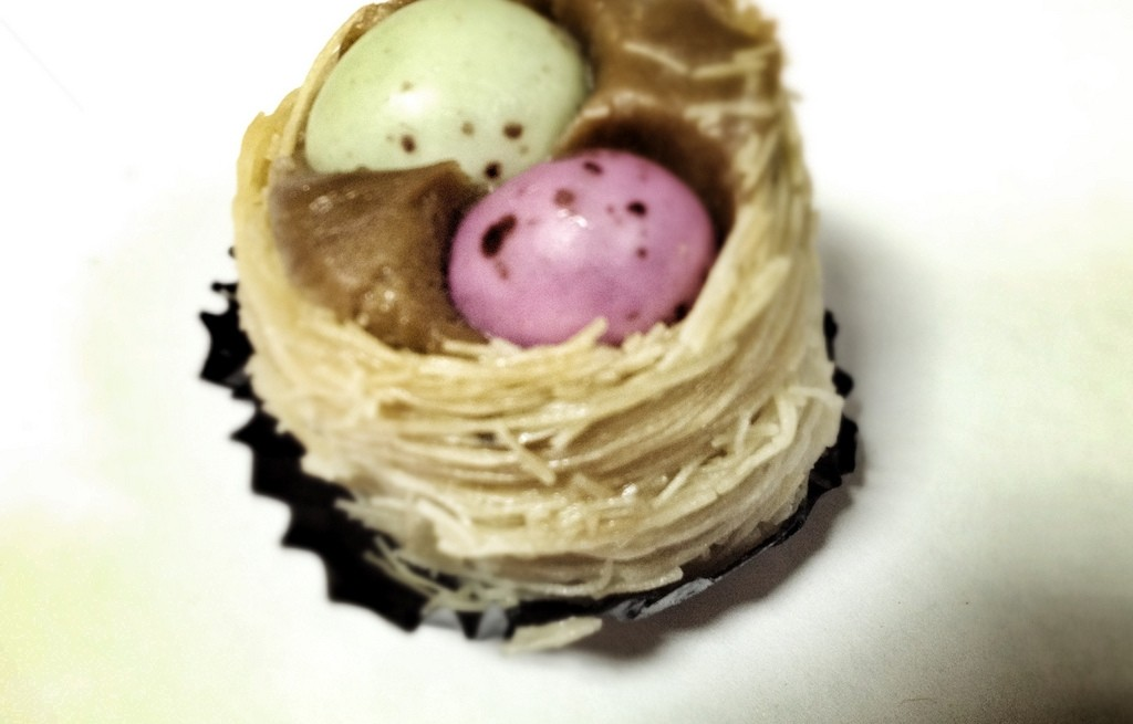 Jajka z fasolą i makaronem