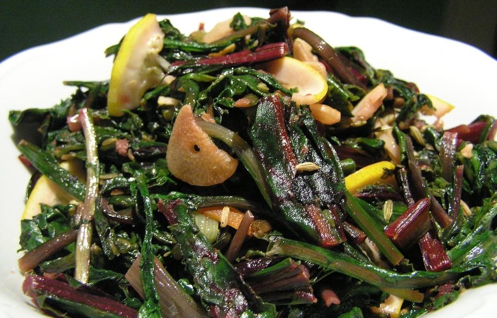 Sałatka warzywna z sardelą