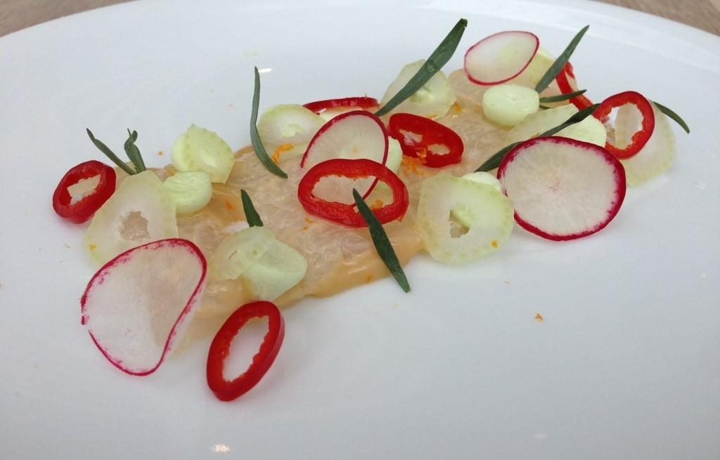 Łosoś marynowany z warzywami