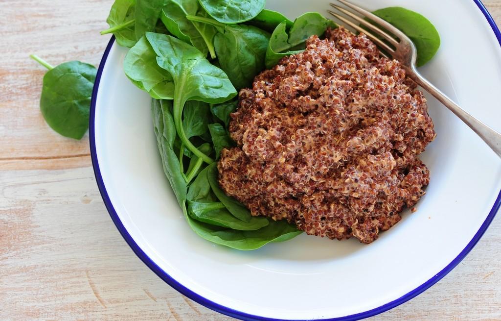 Komosa ryżowa z masłem i szpinakiem w curry