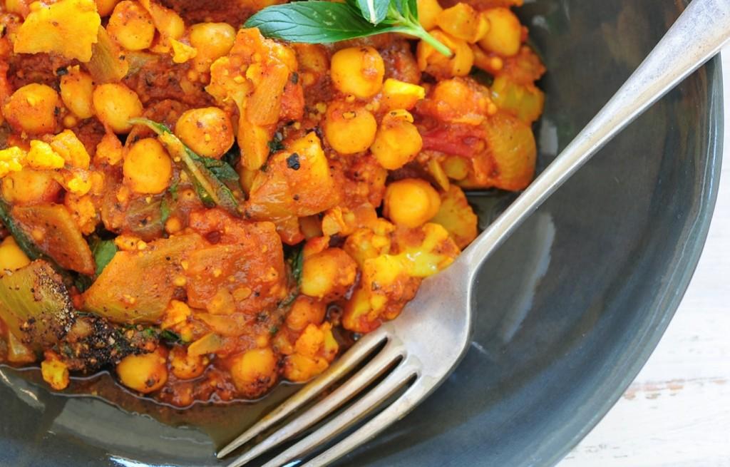 Curry warzywne z cieciorką