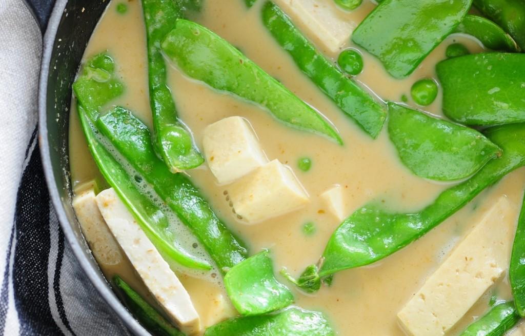 Zupa groszkowa z tofu i curry