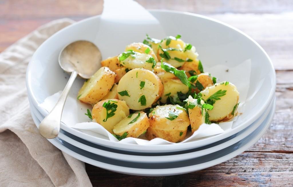 Ziemniaki z masłem i parmezanem