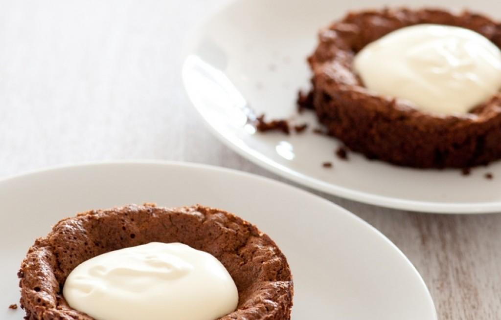 Ciastka kakaowo-kawowe ze śmietaną