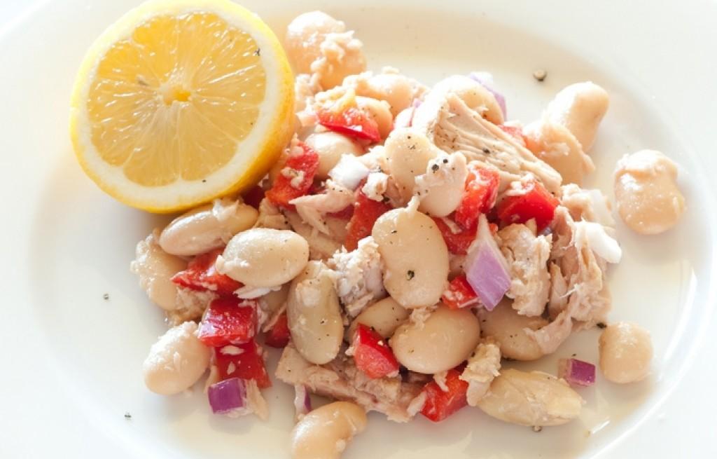 Sałatka z tuńczyka i warzyw
